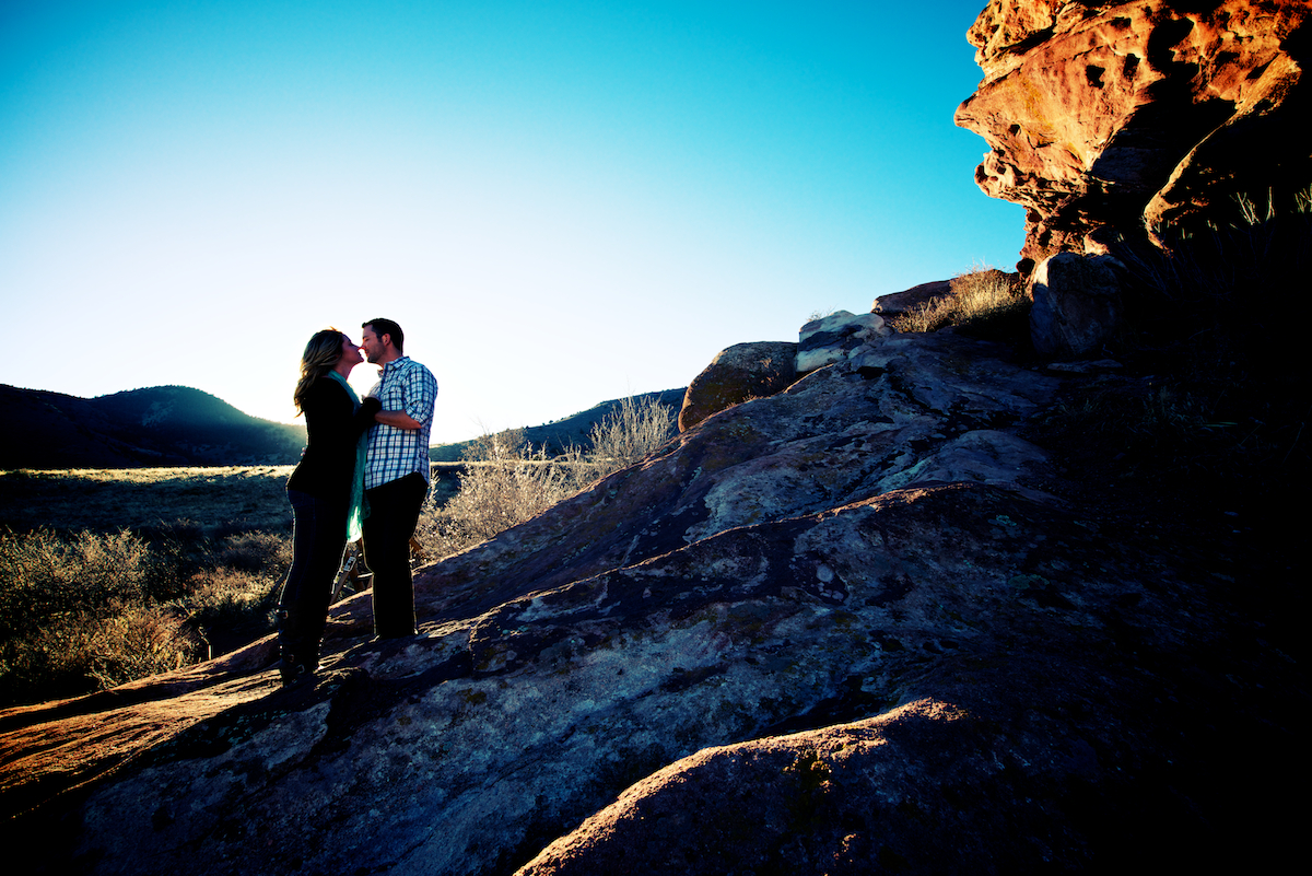 red-rocks-park-morrison-colorado-sunset-fall-engagement-photography-silloullet